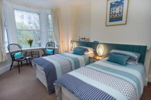 mariners-guest-house-twin-room-2