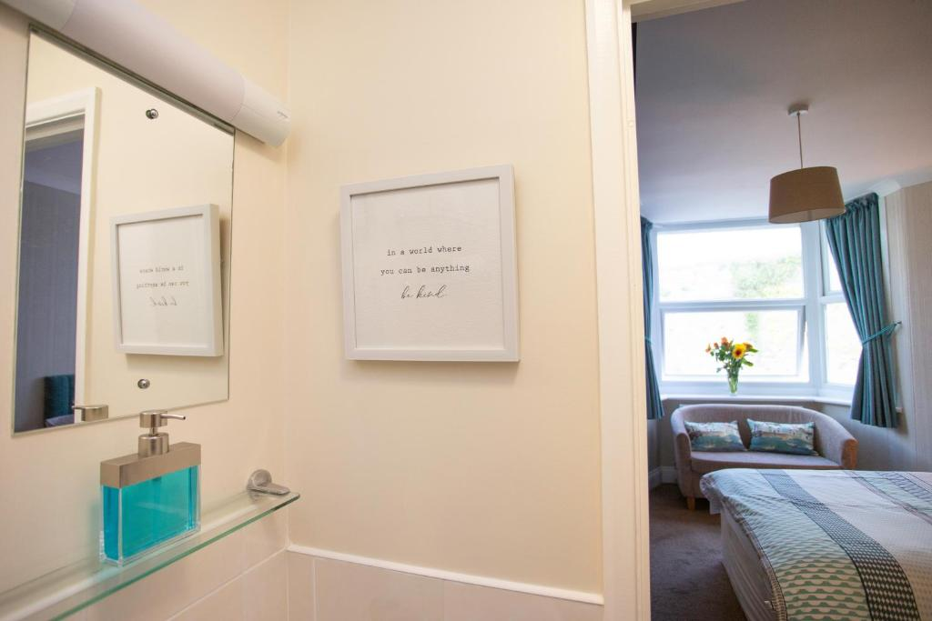 mariners-guest-house-double-room-5
